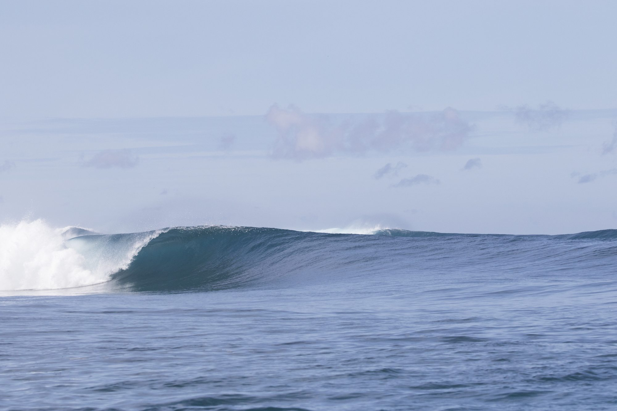 mini hollow wave, surf banyak