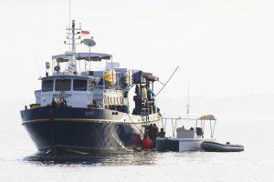 seriti, a US built, indonesian-flagged 25m aluminium crew boat from surf banyak