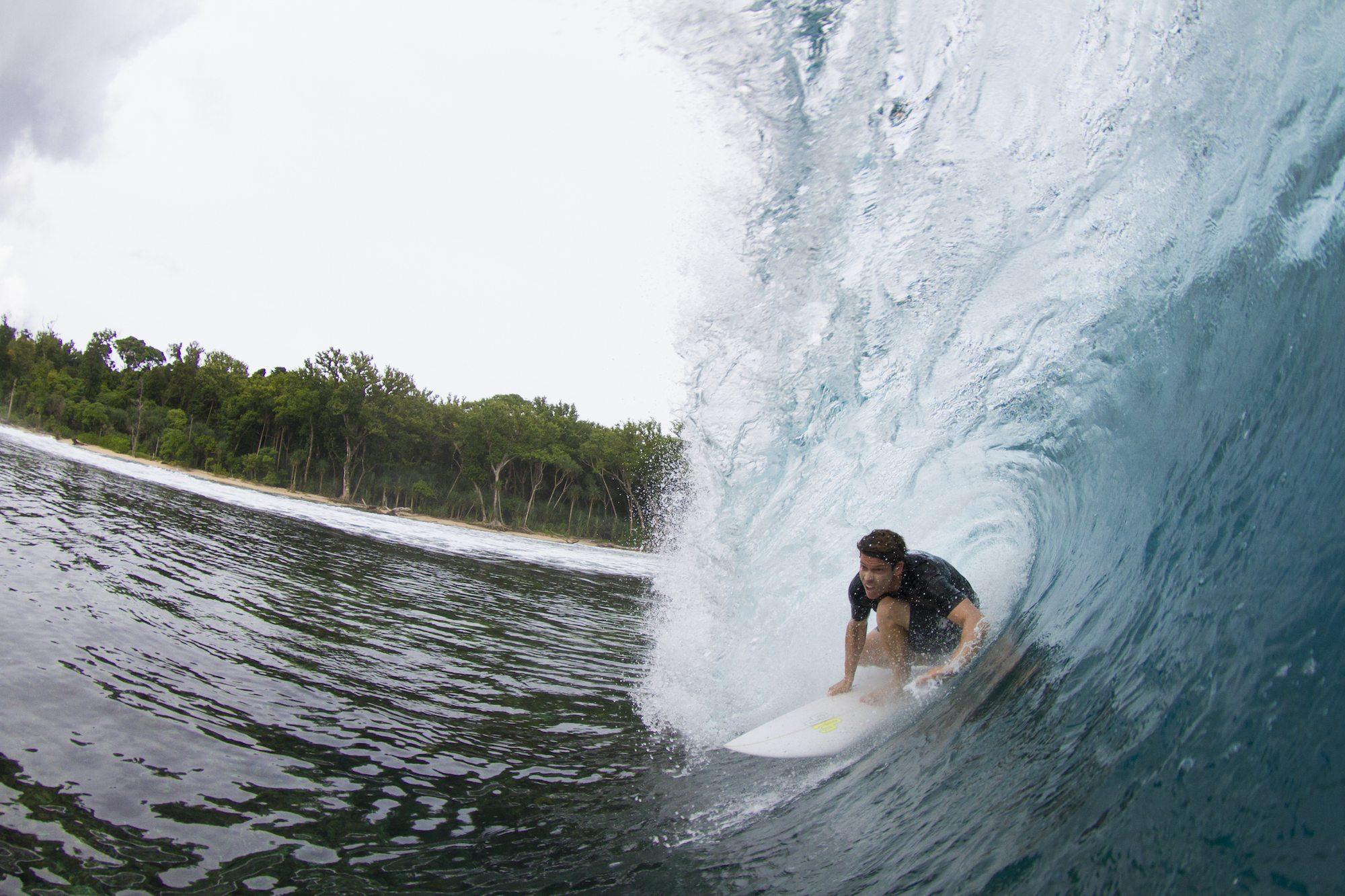 not so perfect barrel stunt ,surf banyak